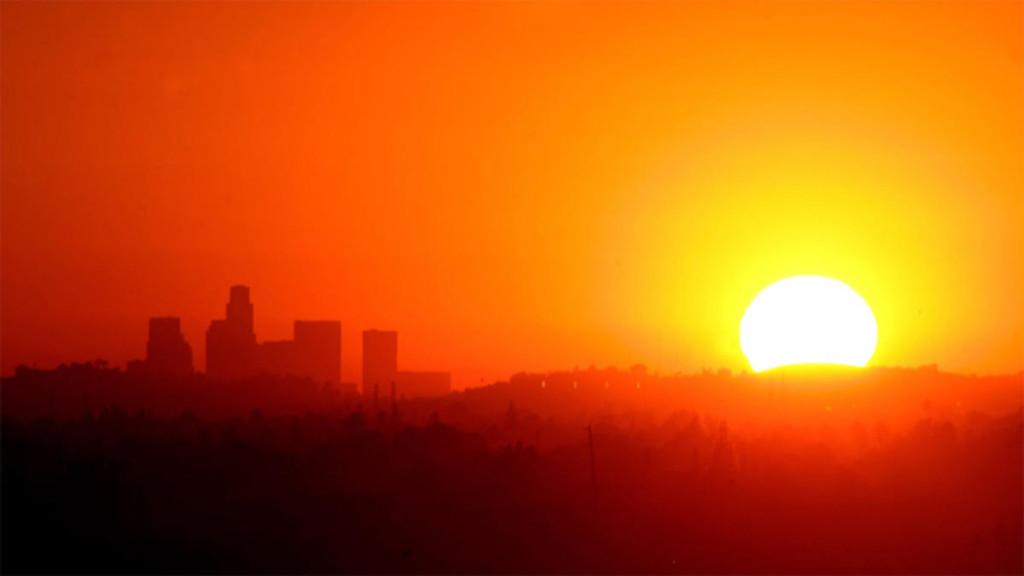 sun-heat-los-angeles-skyline