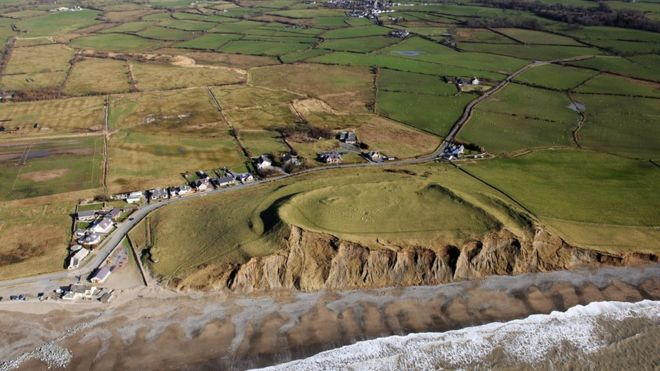 Climate change 'puts Welsh historic environments at risk'